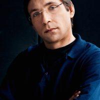 Adrian Pinzaru - violin -
